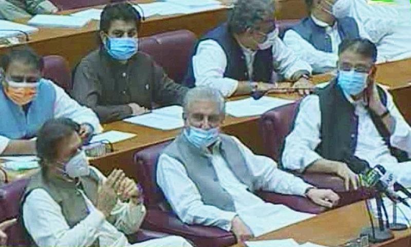 اسد قیصر کی سربراہی میں اجلاس میں وزیراعظم عمران خان، وزیر خارجہ شاہ محمود قریشی نے بھی شرکت کی—فوٹو:ڈان نیوز