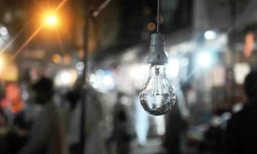 سی سی ای ای اجلاس میں کراچی میں بجلی کی صورتحال اور کے الیکٹرک کی خراب منصوبہ بندی پر کابینہ کے اراکین کے درمیان گرم مباحثہ ہوا۔ اے ایف پی:فائل فوٹو