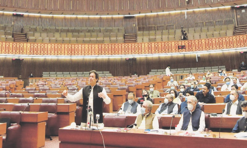 Imran rubbishes talk of 'minus one' formula