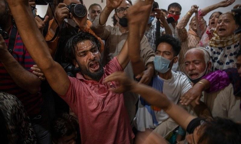 مقبوضہ کشمیر میں 3 سالہ بچے کے سامنے بزرگ کے قتل پر احتجاج، آزادی کے نعرے