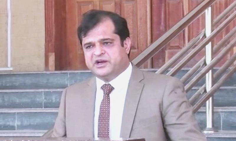 :iaquat Shahwani addressing the media in Quetta. — DawnNewsTV