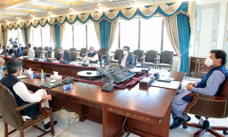 این سی او سی کے اجلاس صوبائی دارالحکومتوں میں منعقد کیے جائیں، وزیر اعطم کی ہدایت — فوٹو: پی آئی ڈی