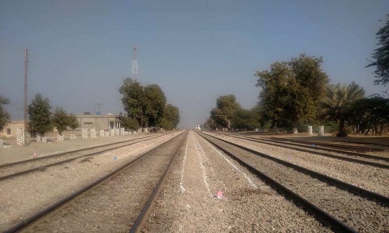 خیرپور اور روہڑی کے درمیان ریلوے لائن