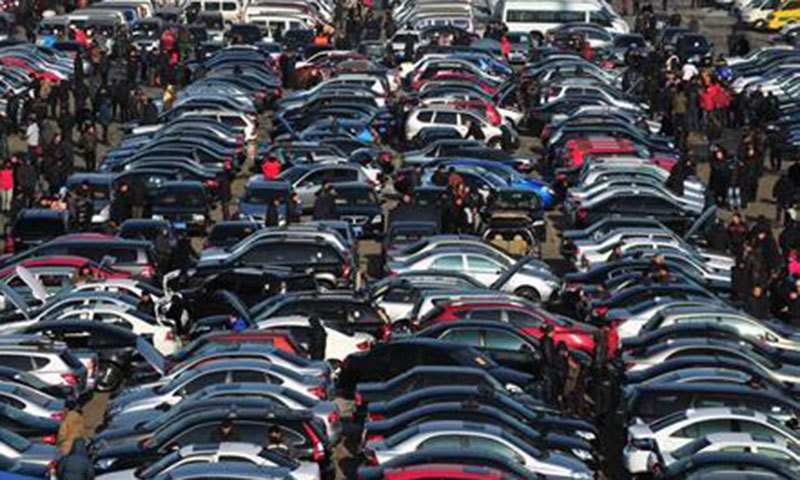 کار کی پیداوار اور فروخت میں بالترتیب 55 فیصد اور 53.5 فیصد تک کمی دیکھی گئی جو 94 ہزار 325 یونٹ اور 96 ہزار 455 رہی ۔ فائل فوٹو:اے ایف پی