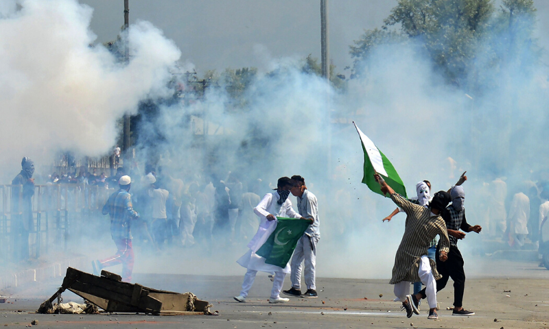 In this file photo, Kashmiri protesters clash with Indian police as they take to the streets chanting pro-freedom slogans after prayers marking the festival of Eidul Fitr in Srinagar. — AFP/File