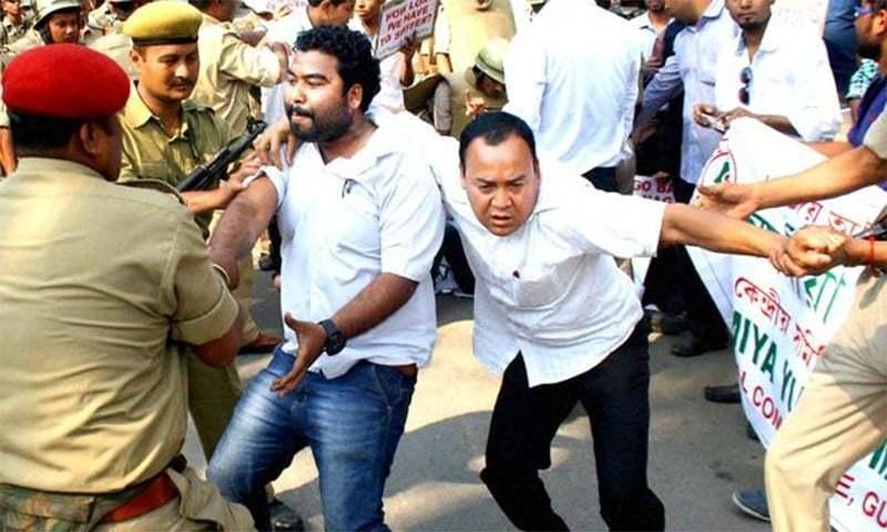 بھارت: 3 بنگلہ دیشیوں کا قتل، نیپالی باشندے کا سر مونڈ دیا گیا