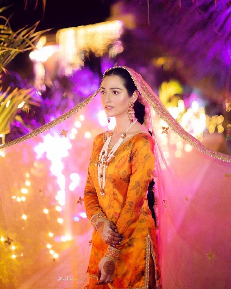 سارہ خان کو شادی کے بعد بھی شوبز میں کام کرنے کی اجازت ہوگی، فلک شبیر—فوٹو: سارہ خان انسٹاگرام