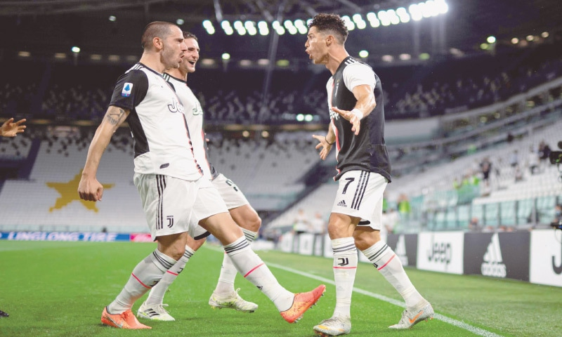 Ronaldo brace puts Juve on brink of another title