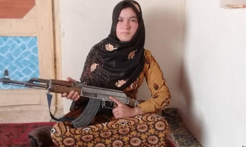 افغان لڑکی نے والدین کو قتل کرنے پر 2 طالبان جنگجوؤں کو مار ڈالا