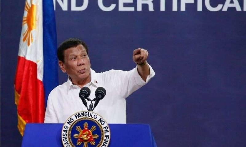 فلپائن کے صدر کا شہریوں کو پیٹرول سے ماسک کی صفائی کا مشورہ