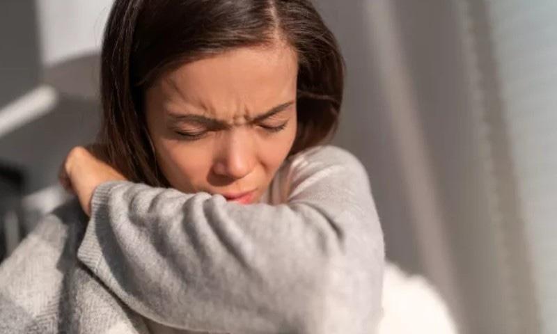 ہر 4 میں سے ایک نوجوان میں کووڈ 19 کی علامات کئی ہفتوں تک برقرار رہنے کا انکشاف