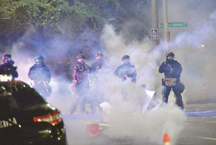 امریکا: اہم شہروں میں وفاقی ایجنٹس بڑھانے پر احتجاج، ایک شخص ہلاک