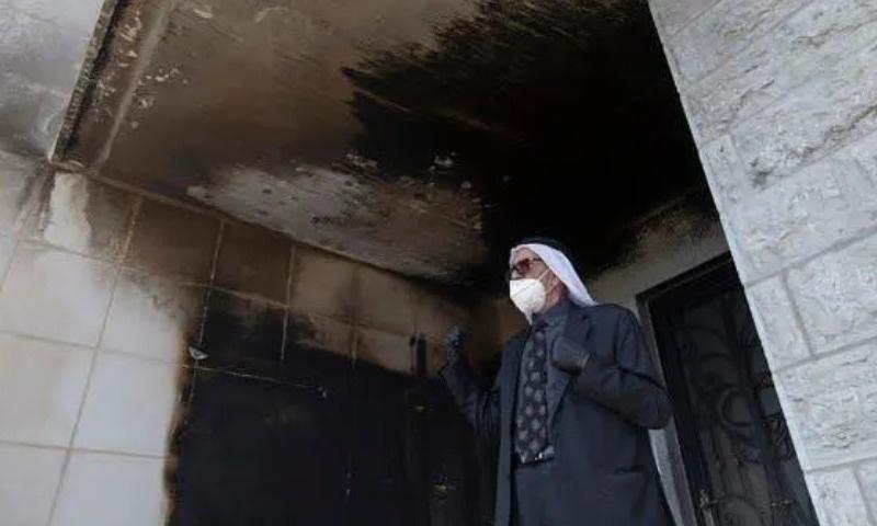غربِ اردن: یہودی آباد کاروں کی مسجد نذرآتش کرنے کی کوشش