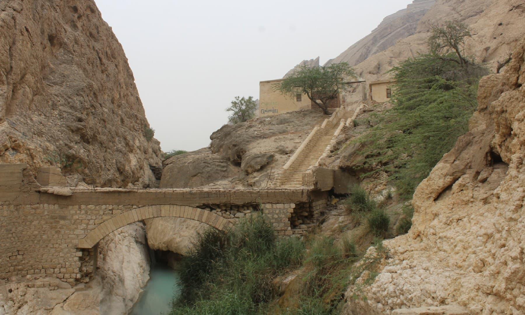 برٹش دور میں بنوایا گیا ایک پل