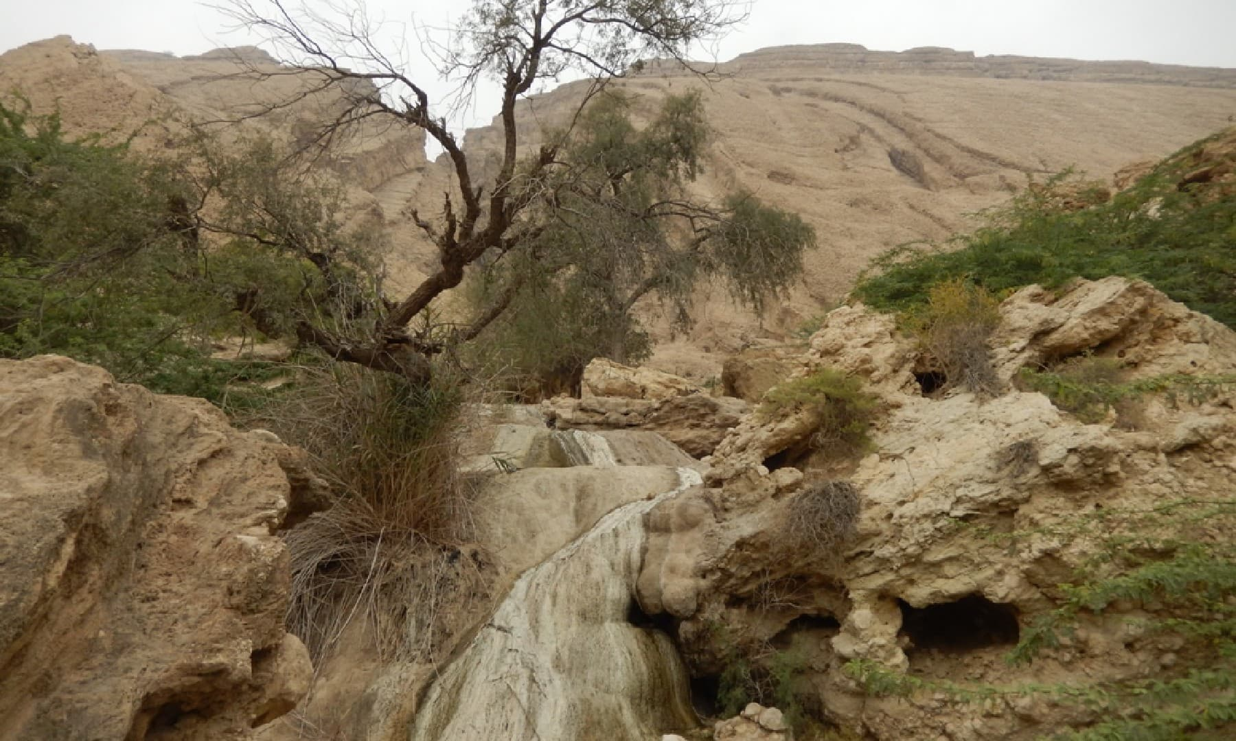 خشک چشمے کے آثار