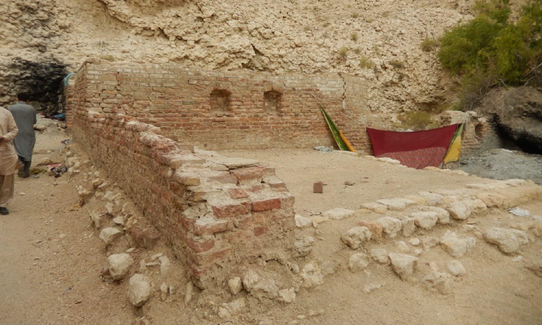 برٹش دور میں بنوائی گئی چار دیواری