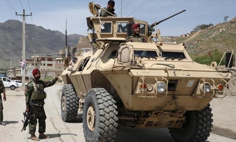 افغانستان: کار بم دھماکے میں 17 افراد ہلاک، 21 زخمی