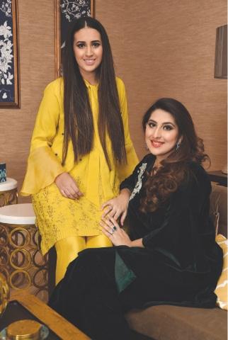 Designer Ansab Jahangir (R) with her sister Zoha Shakir