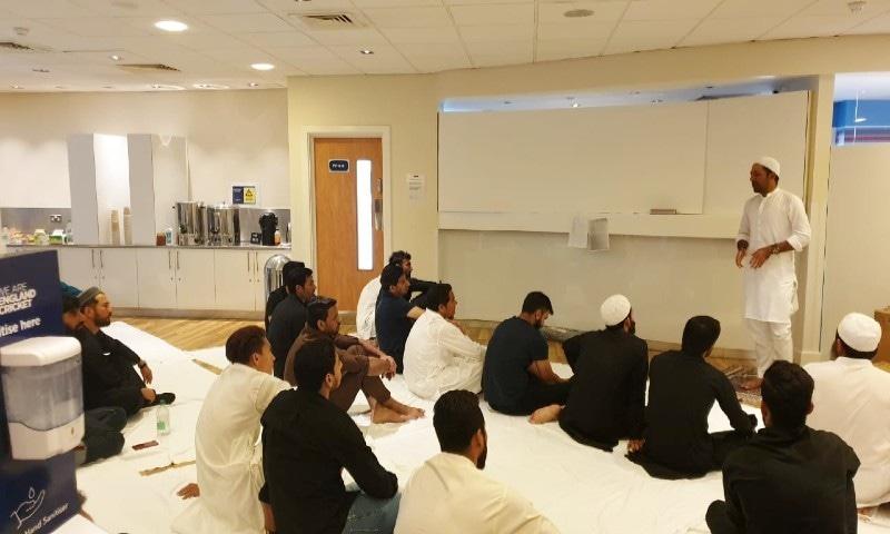 سرفراز احمد کی امامت میں قومی کرکٹرز کی نماز عید