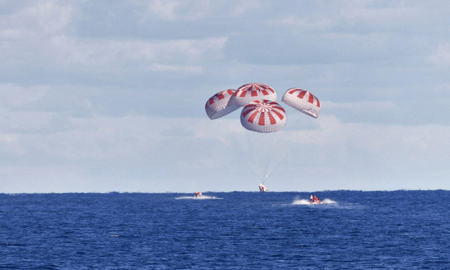 The SpaceX capsule splashes down on Sunday, Aug 2, 2020, in the Gulf of Mexico. — AP