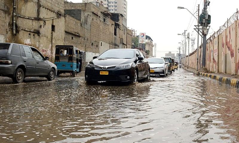 کراچی میں اربن فلڈنگ کا خدشہ ظاہر کیا گیا ہے—فائل فوٹو: اے پی پی