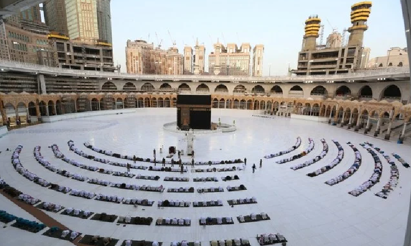 کامیاب حج کا انعقاد، سعودی عرب کا عمرہ بحال کرنے پر غور