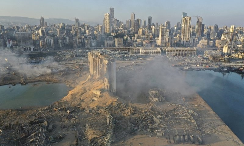 'لبنان کے لیے دعا کریں' شوبز شخصیات کا بیروت دھماکوں پر اظہار افسوس