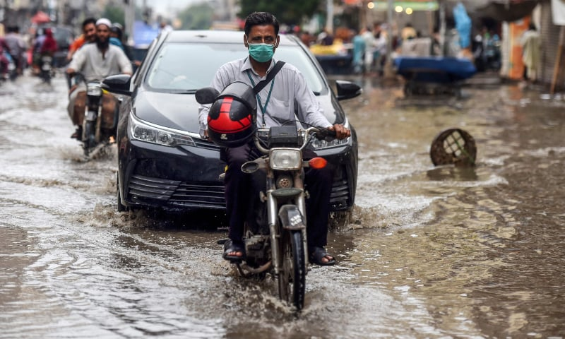One dead, another injured as latest spell of rain lashes parts of Karachi