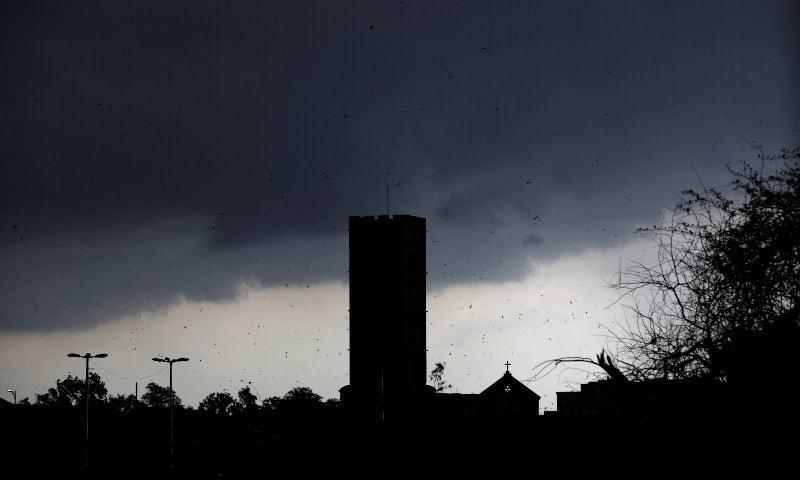 کراچی  میں دوسرے روز بھی بارش، 8 افراد جاں بحق