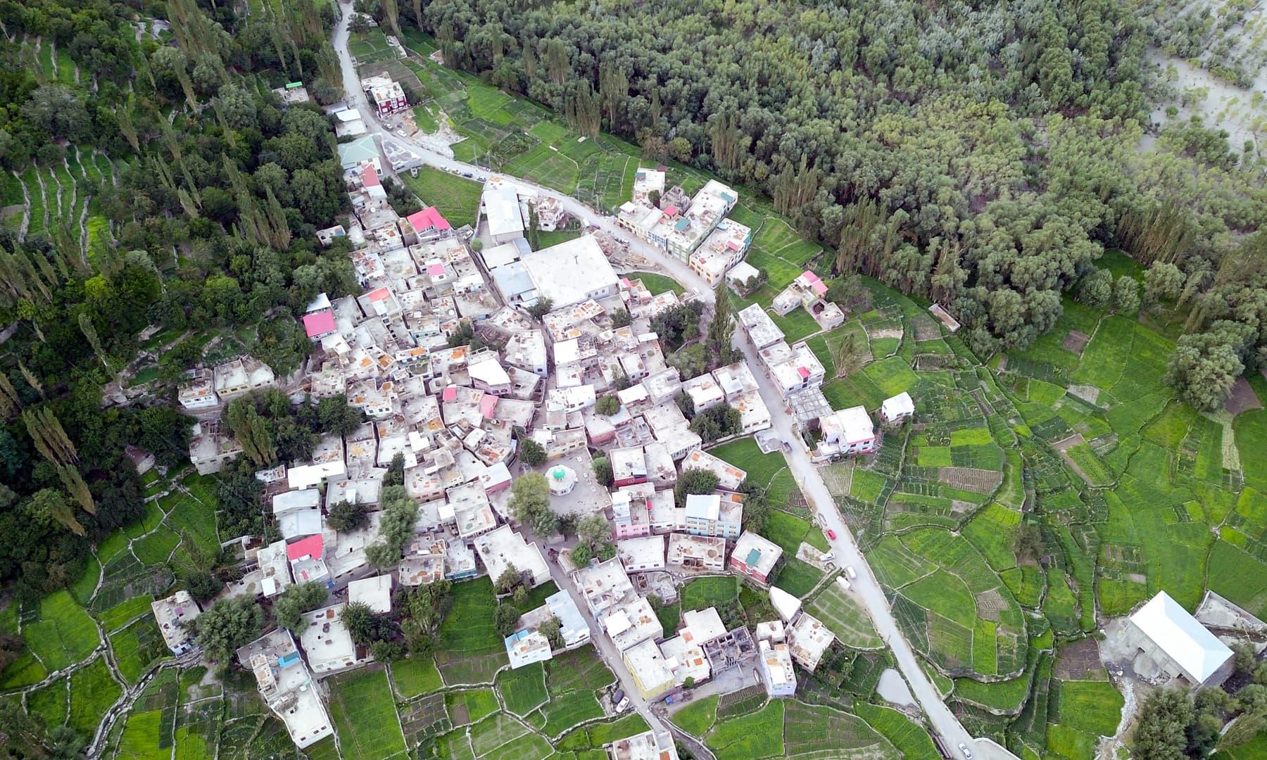 سرمک ایک بہترین ہسپتال کی وجہ سے اس پورے علاقے میں مشہور گاؤں ہے