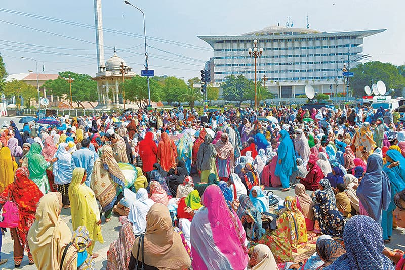Before the Covid-19 pandemic, Lady Health Workers hold a day long sit-in in Lahore | Murtaza Ali/White Star