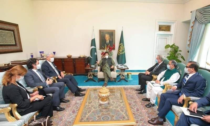 Pm Imran Meets Unga President Elect Urges Un To Play Its Role In Indian Occupied Kashmir Dawn Com