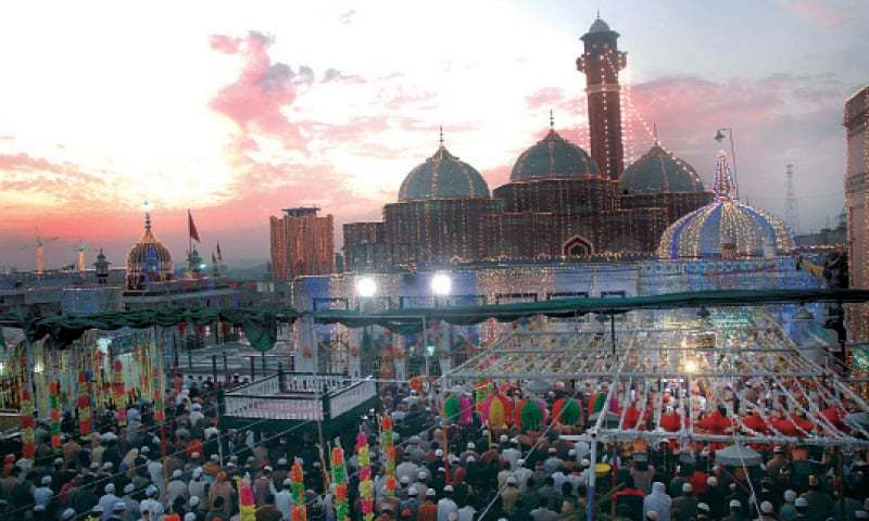 Devotees from other cities would not be encouraged to enter Pakpattan to attend the Urs. — Dawn/File