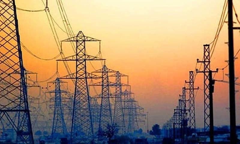 وفاقی وزیر توانائی عمر ایوب خان نے کراچی سے تعلق رکھنے والے صنعت کاروں کو ہفتہ وار گیس کی تعطیل ختم کرنے کی یقین دہانی کرائی ۔ فائل فوٹو:اے ایف پی