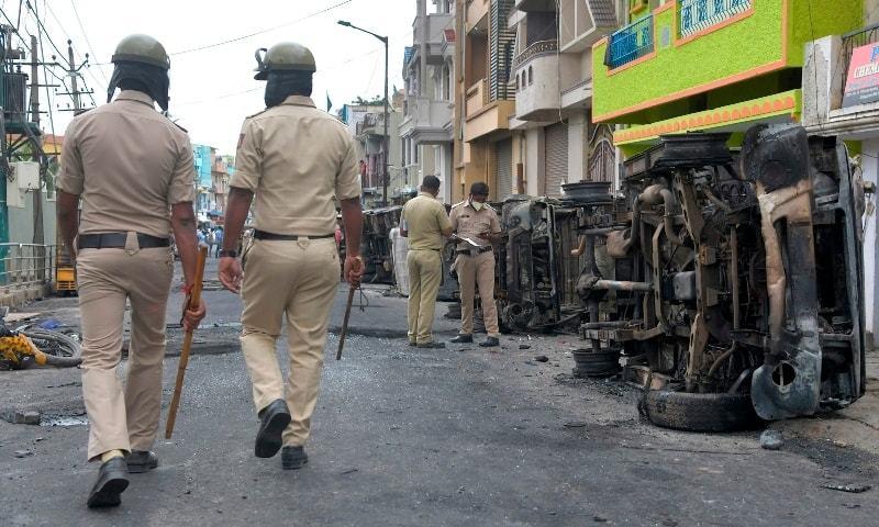 بھارت: گستاخانہ فیس بک پوسٹ پر ہنگامے، 3 افراد ہلاک، 100 سے زائد گرفتار
