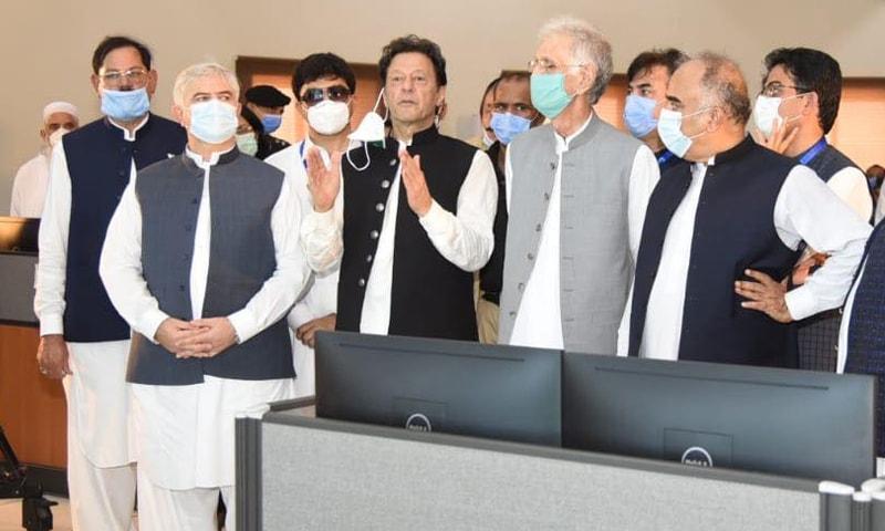 وزیراعظم عمران خان نے بی آر ٹی پشاور کا افتتاح کردیا