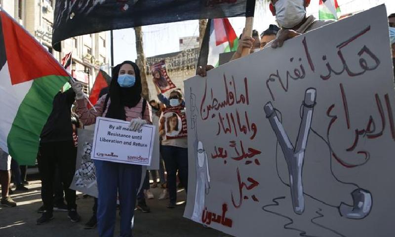 فلسطینیوں نے کہا بدقسمتی سےامارات سمیت عرب عوام ریاستی جبر کے باعث آزادی سے نہیں بول سکتے—فوٹو:اے پی