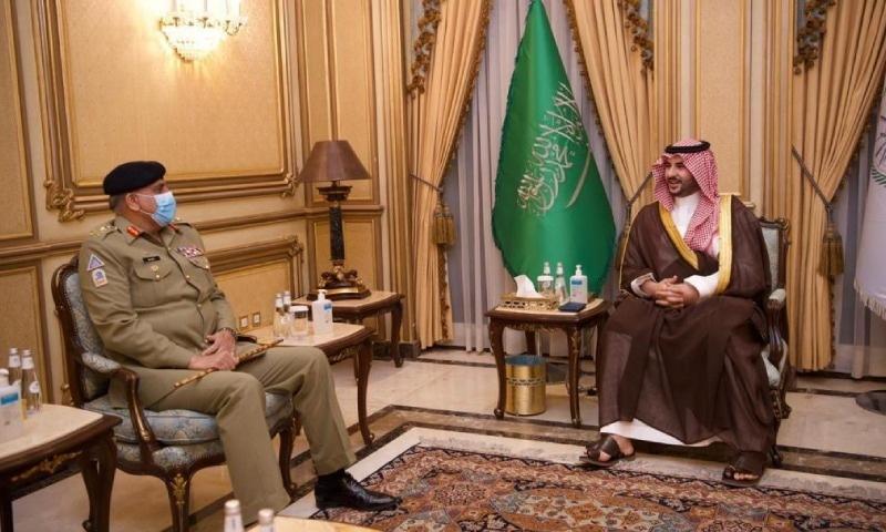 آرمی چیف جنرل قمر جاوید باجوہ سرکاری دورے پر گزشتہ روز سعودی عرب پہنچے تھے — فوٹو: آئی ایس پی آر