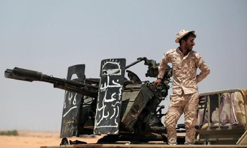 لیبیا: کمانڈر خلیفہ حفتر نے حکومت کی جنگ بندی کو مسترد کردیا