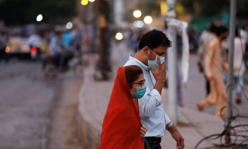 کورونا وائرس: ملک میں اپریل کے بعد پہلی بار ایک روز میں سب سے کم کیسز