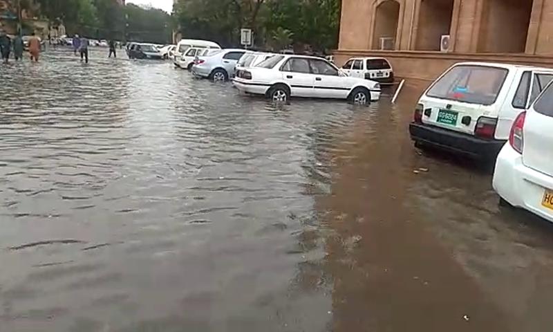 Rainwater accumulated near the Sindh High Court in Karachi. — DawnNewsTV