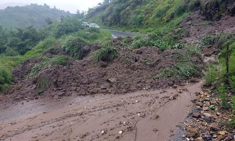 Landslide blocks the Alpuri-Puran road near Deharai, Shangla. — Photo: Umar Bacha