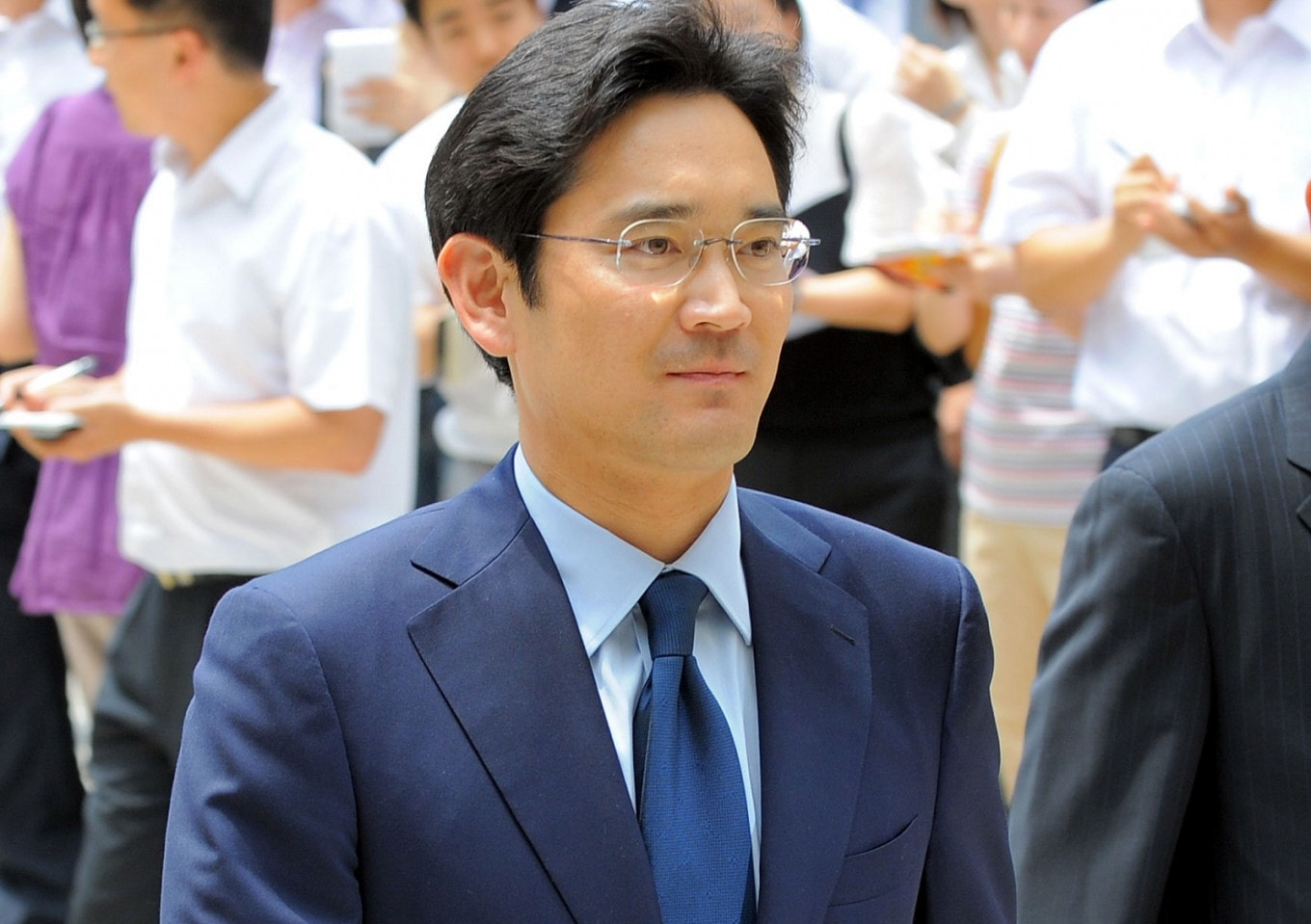 Samsung heir indicted in succession probe, Companies & Markets News & Top Stories