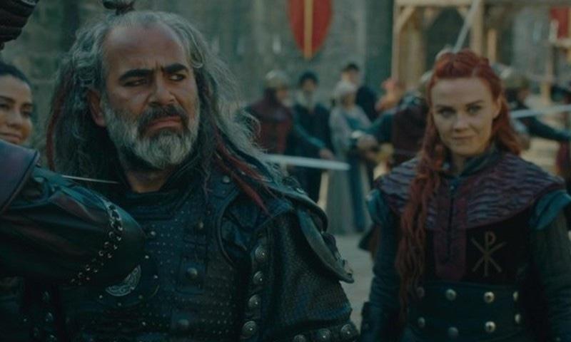 سیزن ون میں ولن کے کردار ادا کرنے والے بالگائے اور صوفیہ، اسکرین شاٹ