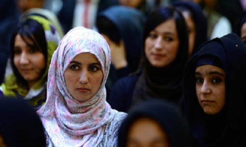 افغان حکومت نے پیدائشی سرٹیفکیٹ میں والدہ کا نام شامل کرنے کی منظوری دے دی