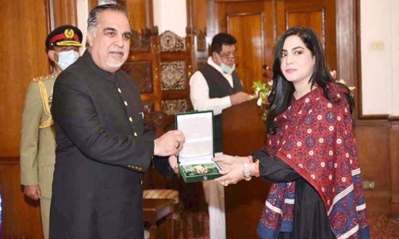 ساحر علی بگا اور صنم ماروی سمیت فنون لطیفہ کی شخصیات کو ایوارڈز دے دیے گئے