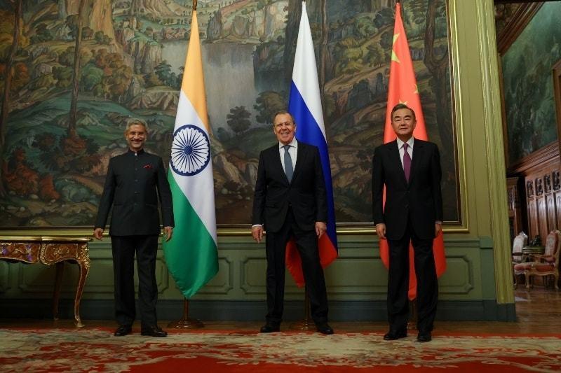 یہ پیش رفت چینی ریاستی کونسلر وانگ یی اور بھارتی وزیر خارجہ ایس جے شنکر کے درمیان ماسکو میں ملاقات کے بعد سامنے آئی — فوٹو:رائٹرز