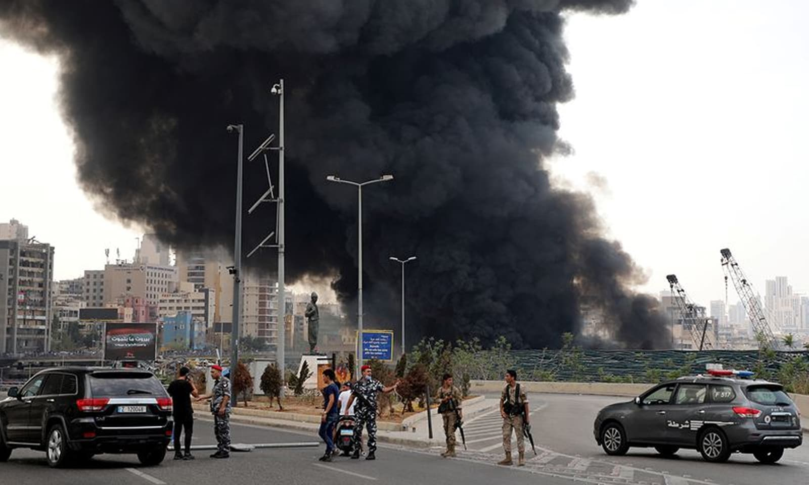 بیروت کی بندرگاہ میں جس مقام پر آگ لگی وہ ڈیوٹی فری تھا—فوٹو: رائٹرز