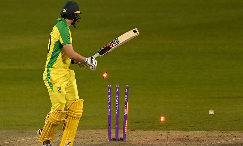 آسٹریلیا کو دوسرے ون ڈے میچ میں ڈرامائی انداز میں شکست