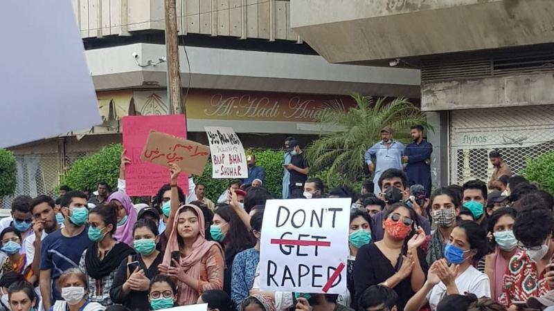 لاہور میں گینگ ریپ کے خلاف ملک بھر میں احتجاج کیا گیا تھا— فائل فوٹو: ڈان